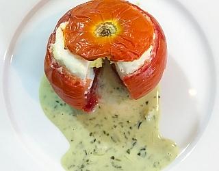 תמונה של ביצה עלומה בעגבניה