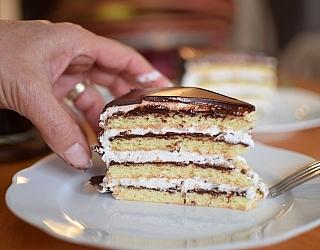 עוגת שכבות קצפת ושוקולד ללא גלוטן